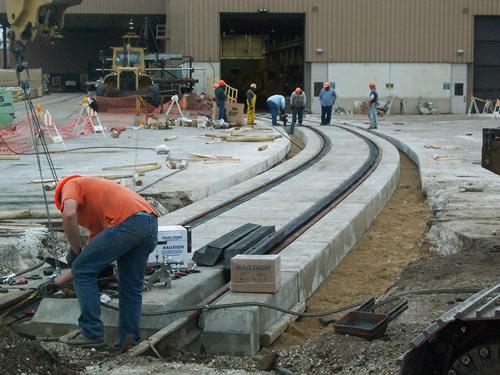 Omni Tracast Tieless Tub Style Concrete Crossing