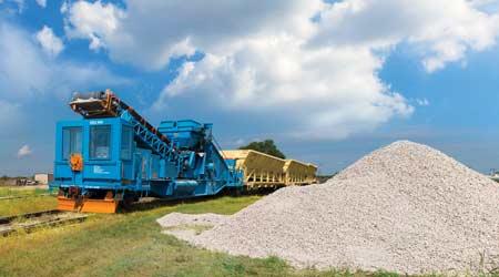 Product update: Material handling equipment 2017 - Railroad News