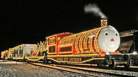Rail Insider Railroads Holiday Trains Deliver Gifts Food