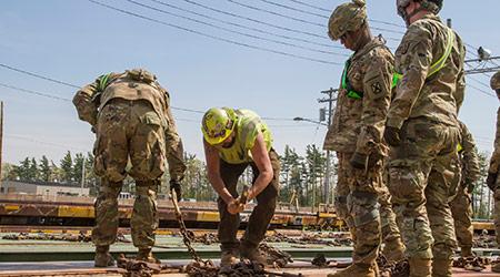Rail News - Sen  Schumer calls for new railhead at Fort Drum